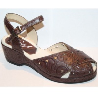 Wendy - Brown Tooled Leather